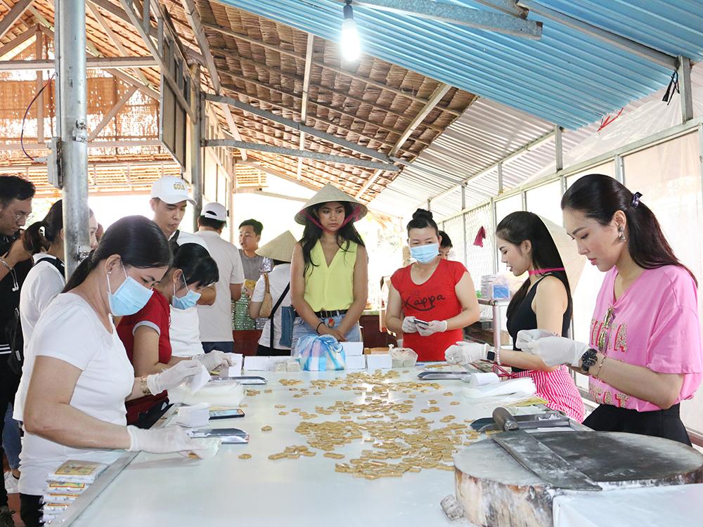 Cở sản xuất kẹo dừa Cồn Phụng Bến Tre